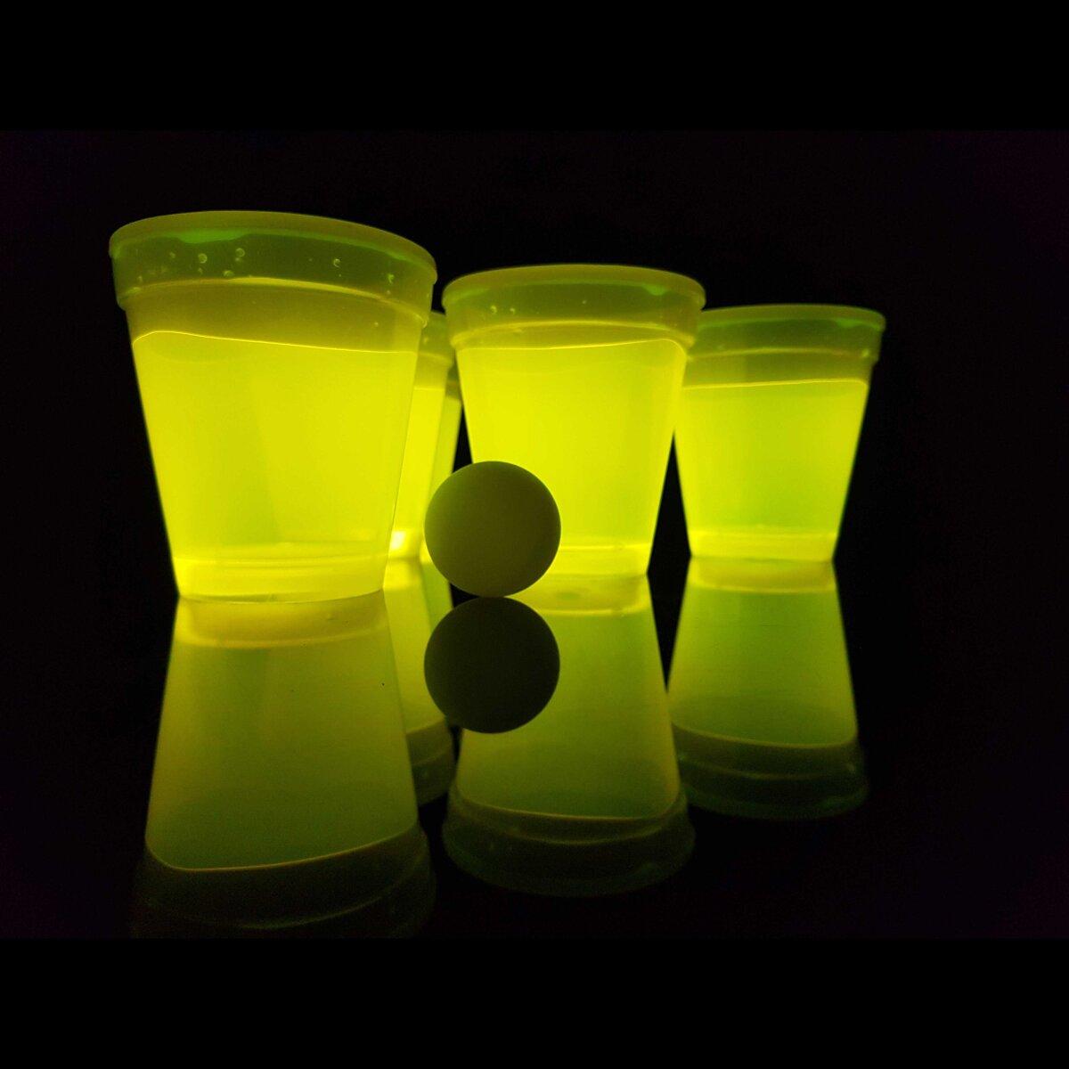 2x Leuchtendes Bierpong a 12 leucht-Becher 2 leucht-Bälle